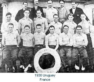 L'équipe de France 1930 en partance, sur un bateau, vers l'Uruguay, pour la coupe du monde 1930